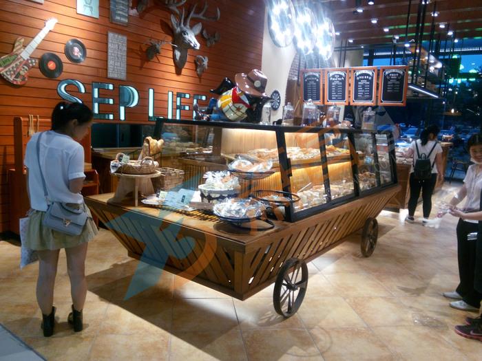 杭州九月生活面包柜