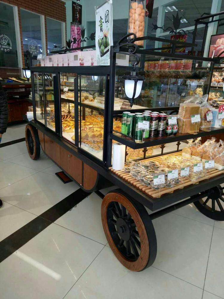 中岛面包柜