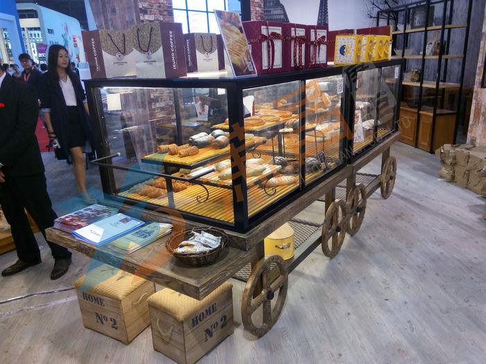 马车式实木面包柜