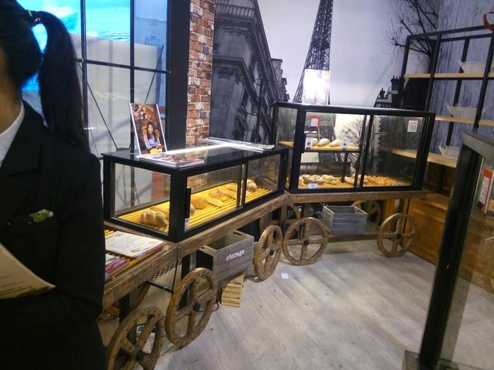 车轮面包单面柜