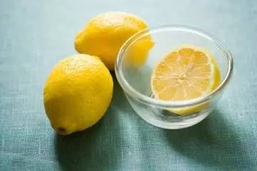 柠檬去味法